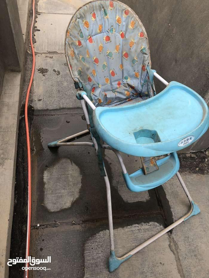 كرسي طعام مال اطفال نظيف بس بي اتراب مال مخزن