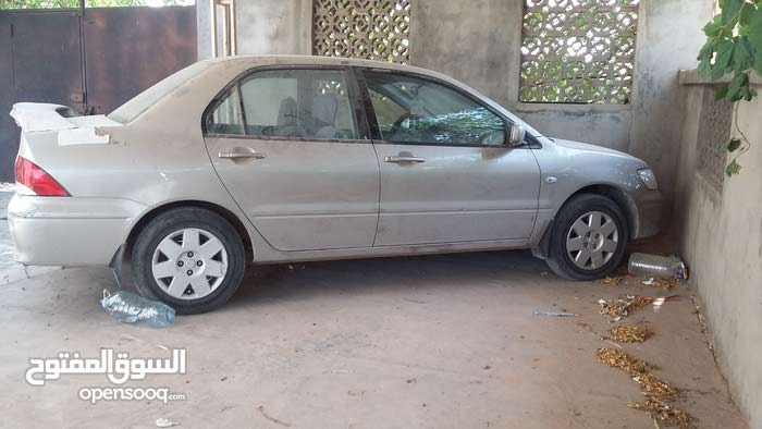 Mitsubishi Lancer car for sale 2004 in Tripoli city