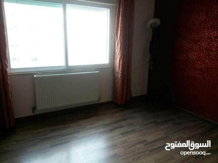 للايجار شقة فارغ سوبر ديلوكس في منطقة خلدا 3 نوم مساحة 190 م² - ط ثالث