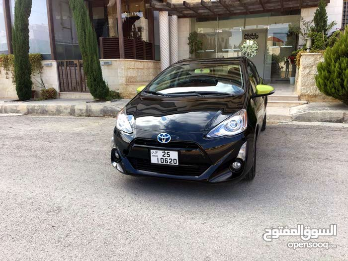 Toyota Prius C made in 2016 for sale