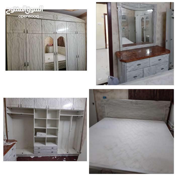 غرفه نوم لشخصين نجاره بحرينيه نظيفه