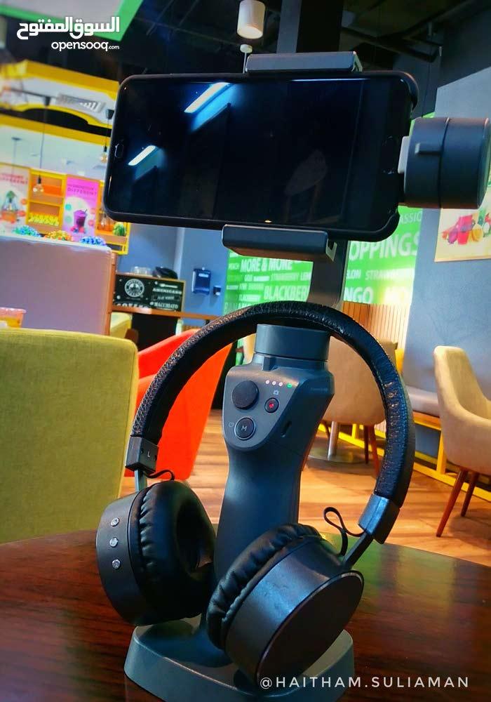 ذراع إلكتروني رهيب للمصورين Osmo Mobile 2 مستخدم شوي وبحالة ممتازة