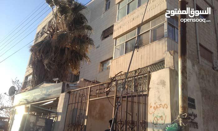 عمارة استثمارية للبيع في عرجان