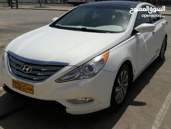 Used condition Hyundai Sonata 2012 with 90,000 - 99,999 km mileage