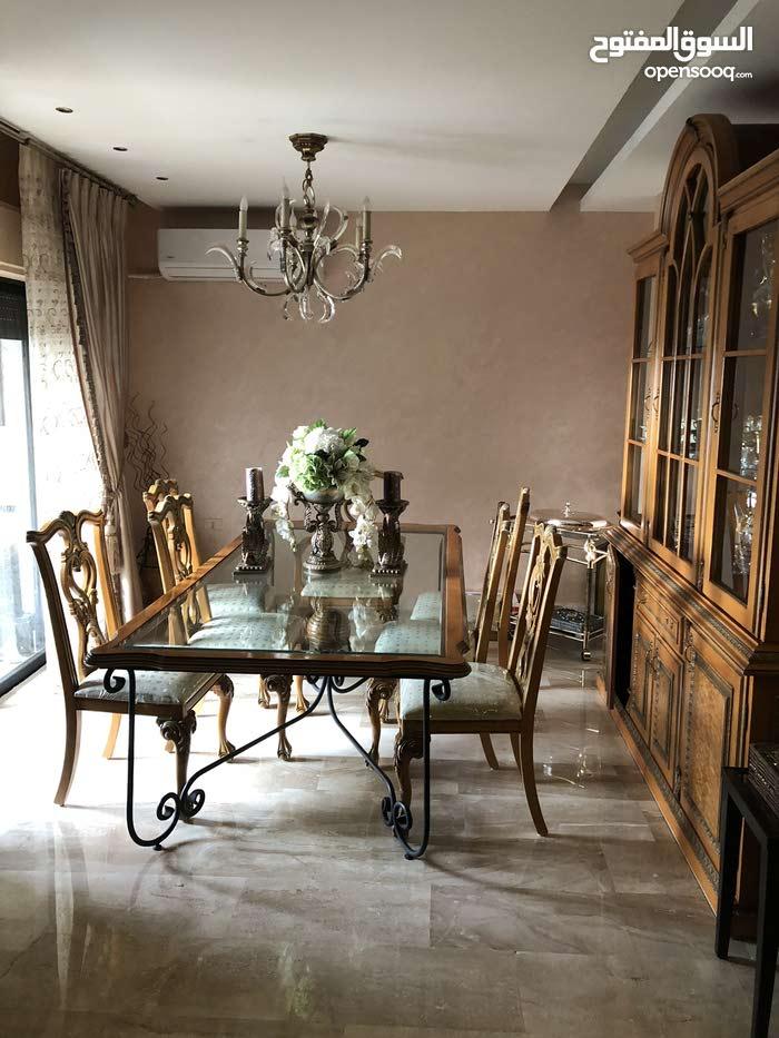 شقة مميزة سوبر ديلوكس مساحة 235 متر (4 نوم)في ضاحية النخيل للبيع