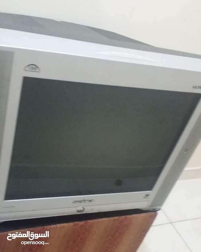 للبيع تلفزيون ملون نضيف استعمال خفيف في حاله جيده جدا  موجود في الفجيره