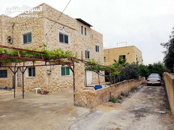 10 - 19 years old Villa for sale in Irbid