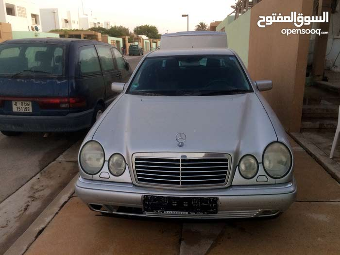 Mercedes Benz E 240 1999 - Ajdabiya