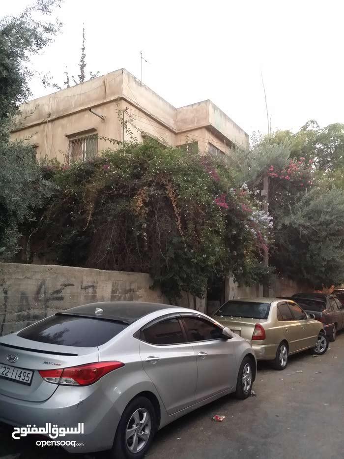 منزل مستقل للبيع - جبل التاج