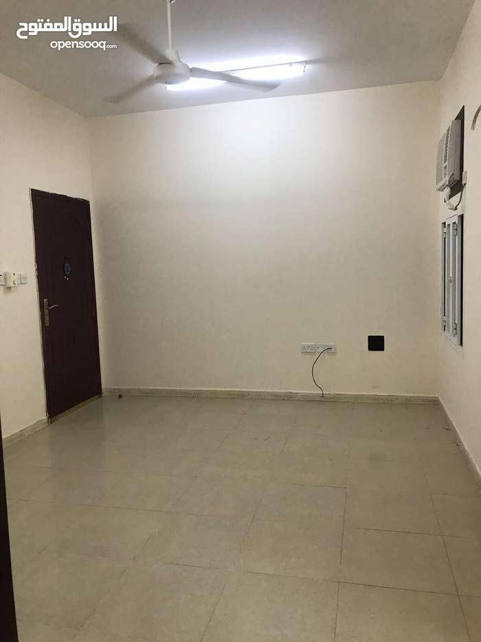 شقة واسعة للعائلات بالخوض الثالثة Flat 2 BR Alkhoudh