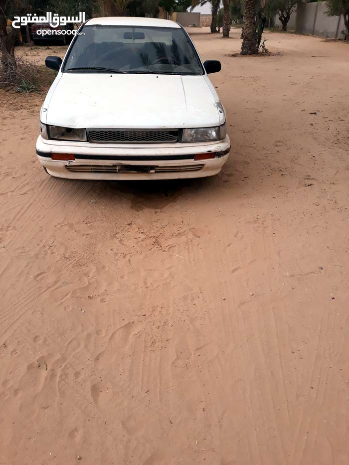 Available for sale! +200,000 km mileage Nissan Bluebird 1992