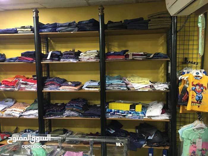 ديكور محل ملابس أطفال كامل للبيع