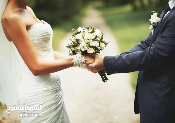 female Wedding Photographer & Videographer