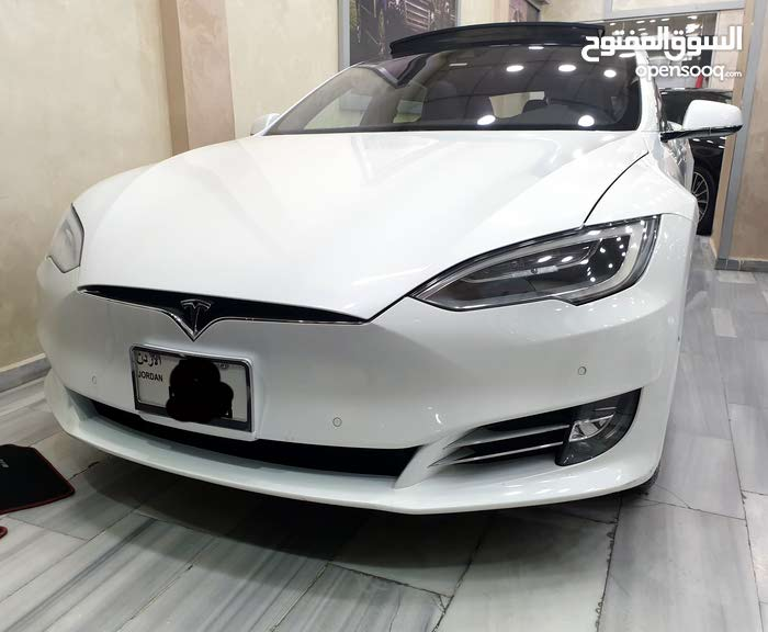 Tesla S 2016 For sale - White color