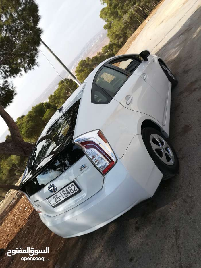 For sale 2015 White Prius