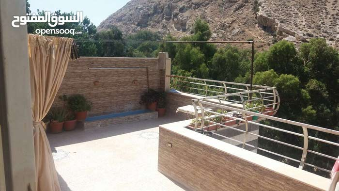 Villas is 10 - 19 years available for sale in Amman