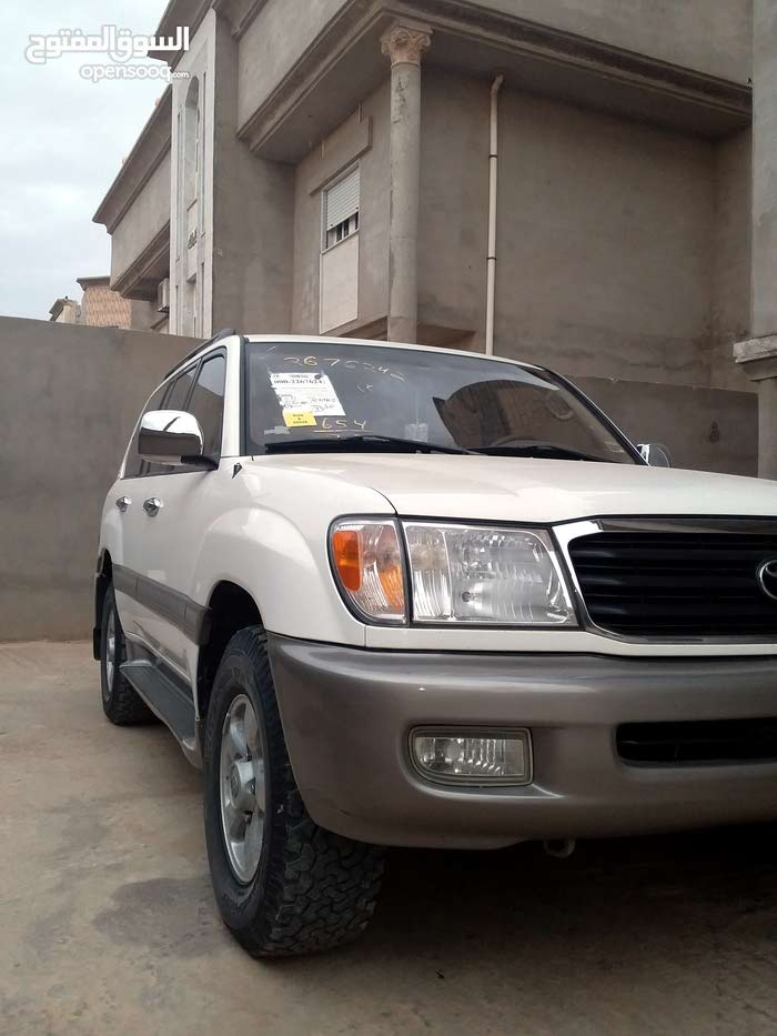 Automatic White Toyota 2002 for sale