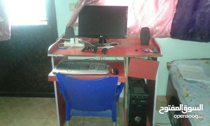 كومبيوتر مكتبي كامل و بحالة ممتازة