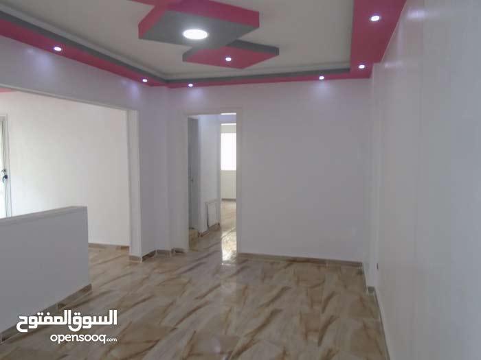 شقة سوبر لوكس بجوار البحر والخدمات مسجلة 110م في شاطئ النخيل