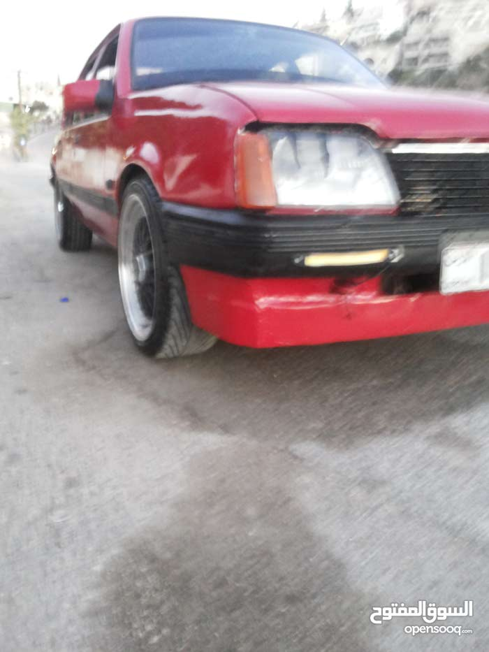 Manual Opel 1982 for sale - Used - Irbid city