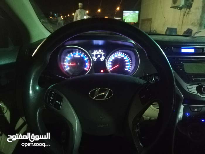 Used condition Hyundai Elantra 2013 with 180,000 - 189,999 km mileage