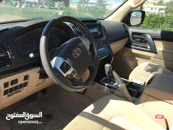 White Toyota Prado 2015 for sale