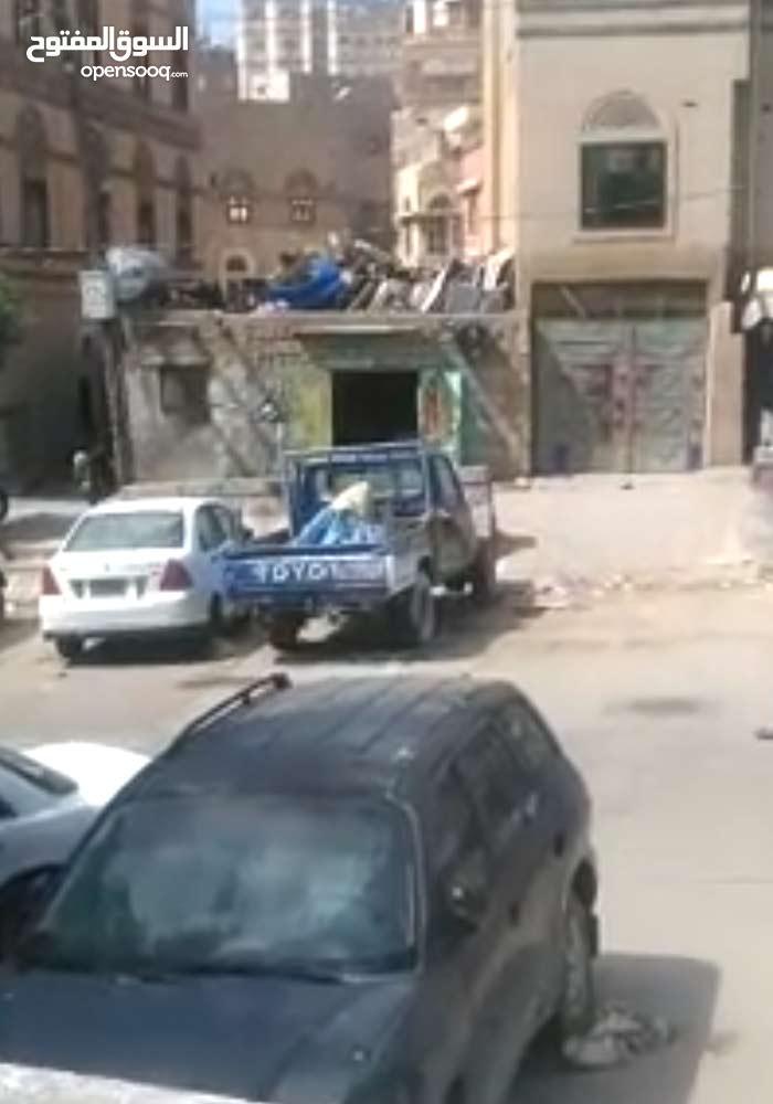بيت شعبي في موقع استراتيجي وسط العاصمه صنعاء