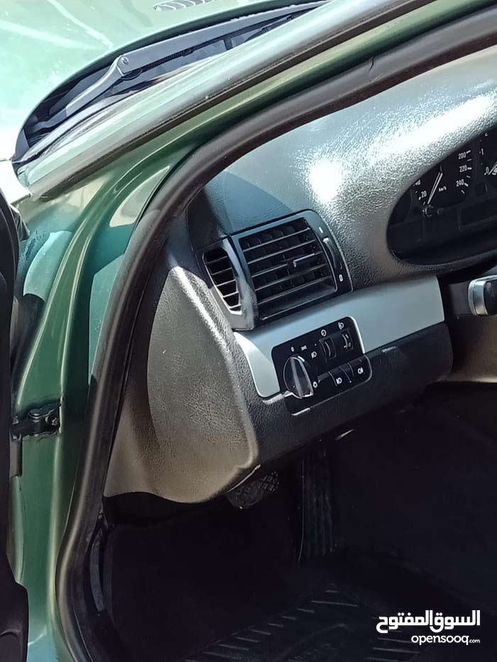 Automatic Green BMW 1999 for sale
