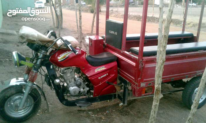 تكتكك sanlg 200 cc بحالة ممتازة