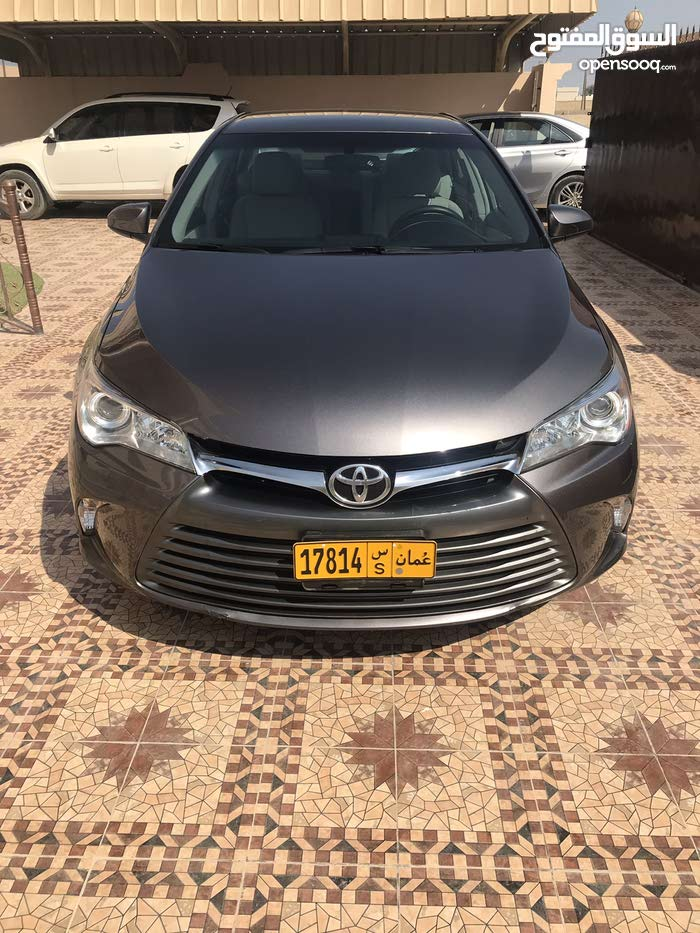Brown Toyota Camry 2016 for sale