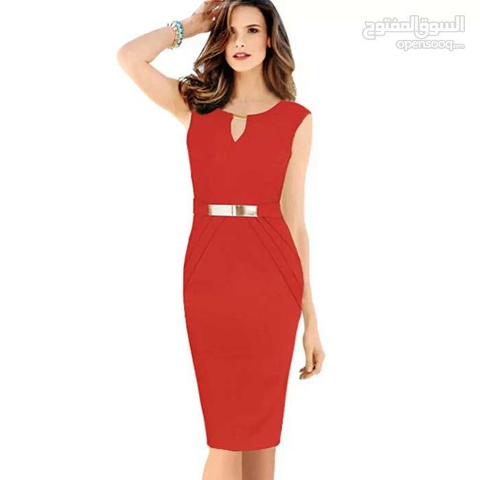 فستان أحمر قصير