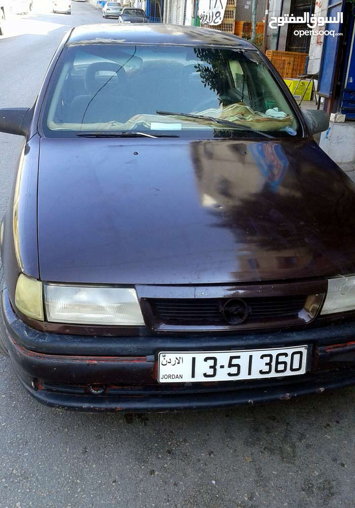 Maroon Opel Vectra 1990 for sale