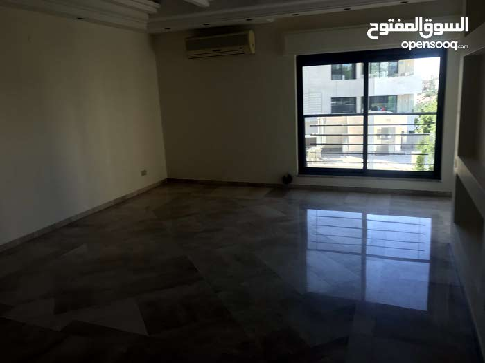 for rent apartment 4 Rooms - 4th Circle