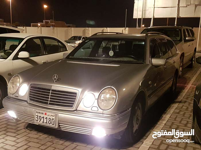 Mercedes Benz E 350 1998 in Northern Governorate - Used
