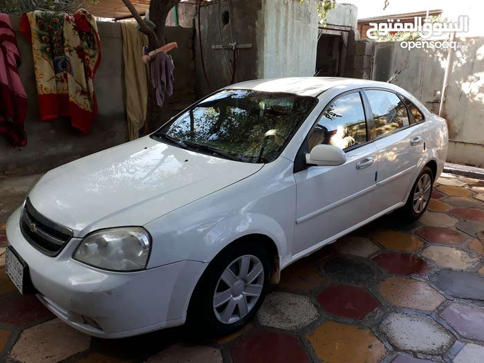 Chevrolet Optra 2011 For sale - White color