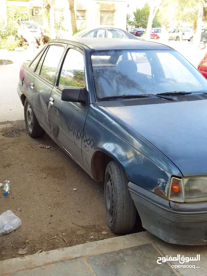 Manual Opel 1981 for sale - Used - Benghazi city