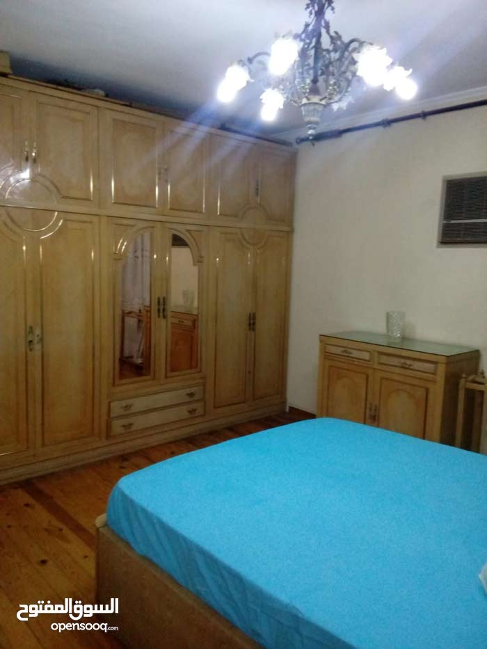 apartment in 150 is available for rent