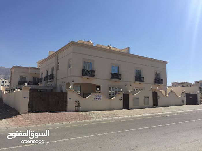5bhk Villa complex for rent in baushar almuna