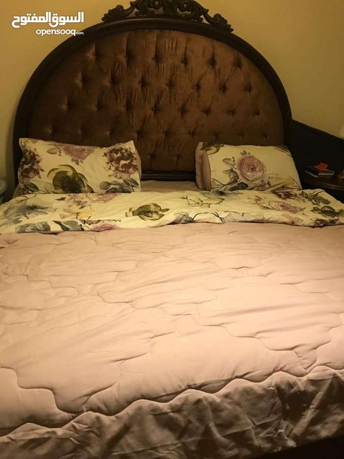 ماستر غرفة نوم رئيسية 7 قطع بحالة وجودة ممتاز للبيع