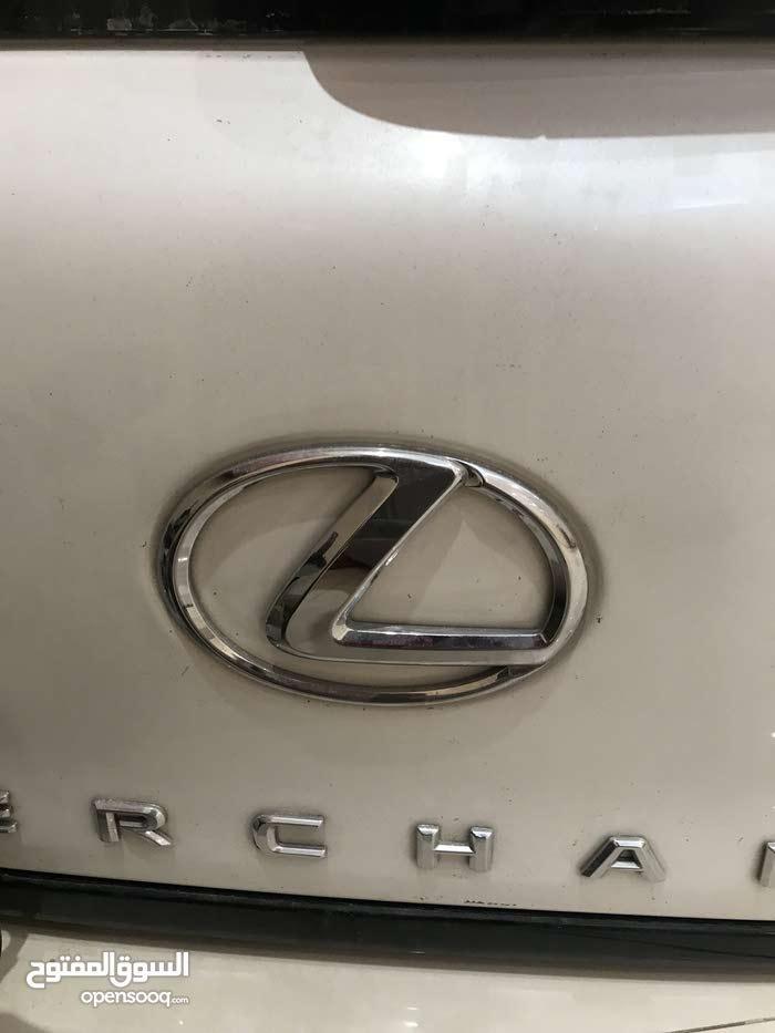 للبيع قطع غيار لكزس2011