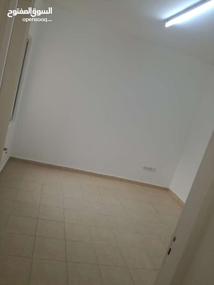 شقة سكنية للبيع في اسكان الغاز ابو علندا سكن كريم /اسكان البيضة