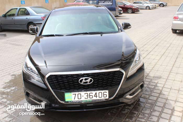 Black Hyundai Sonata 2017 for rent