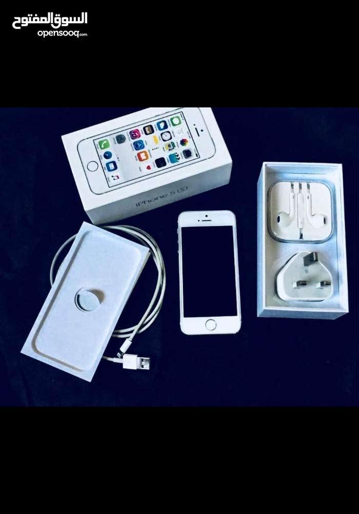 ايفون 5 اس ، 16 جيجا ، اللون فضى  السعر النهائي 29 دينار