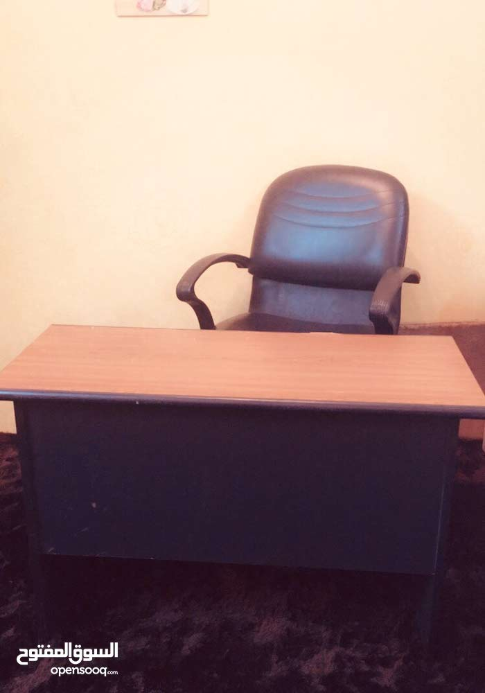 Used Office Furniture available for sale in Mecca
