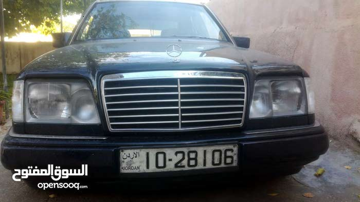 Mercedes Benz E 200 1987 For sale - Blue color