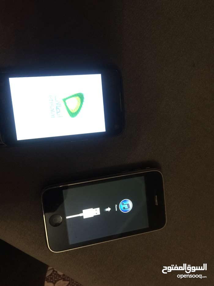 هاتفين مستعملين يمكن استخدامهم كاقطع غيار
