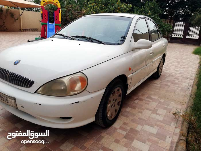 Kia Rio 2000 For sale - White color