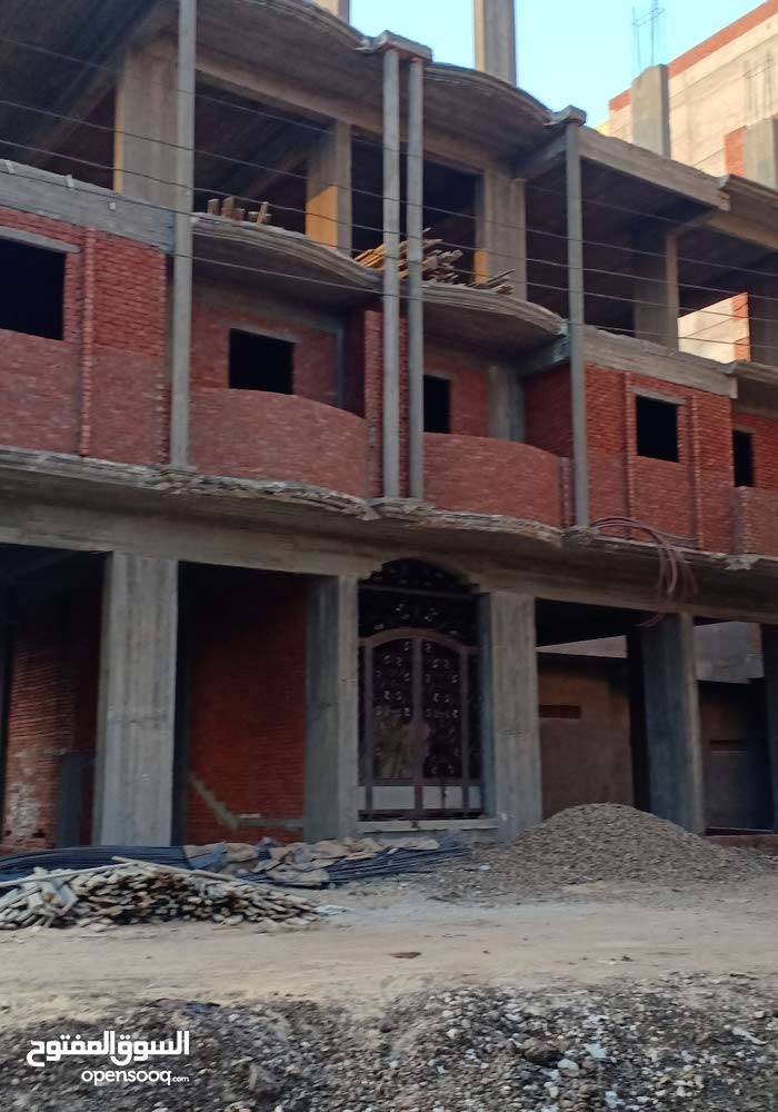 دمنهور بعد برج النيل بجوار المستشفى العام قبل كلية الشريعة والقانون