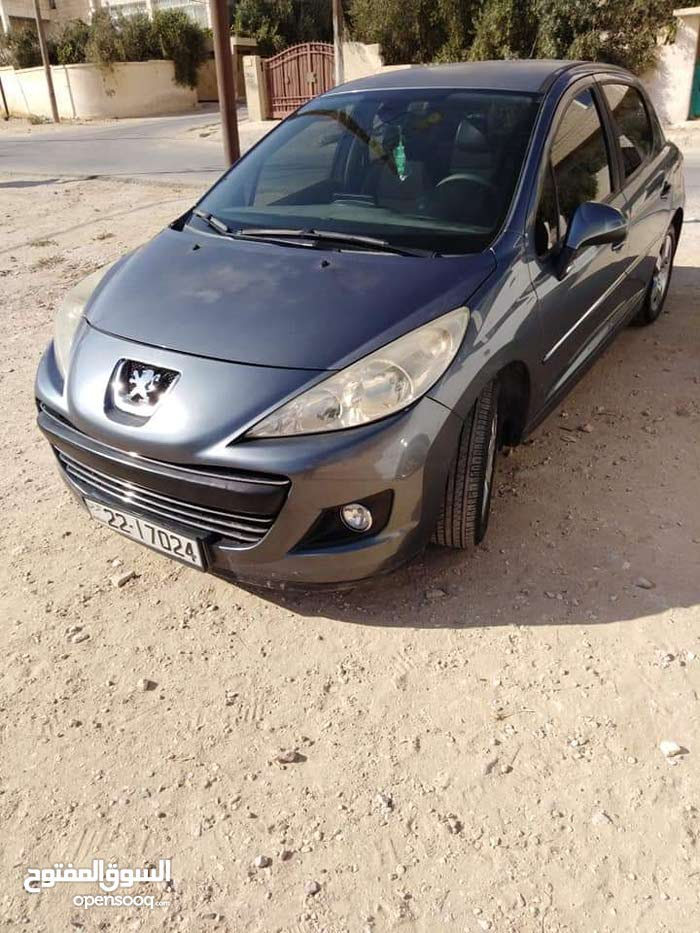 For sale Peugeot 207 car in Amman