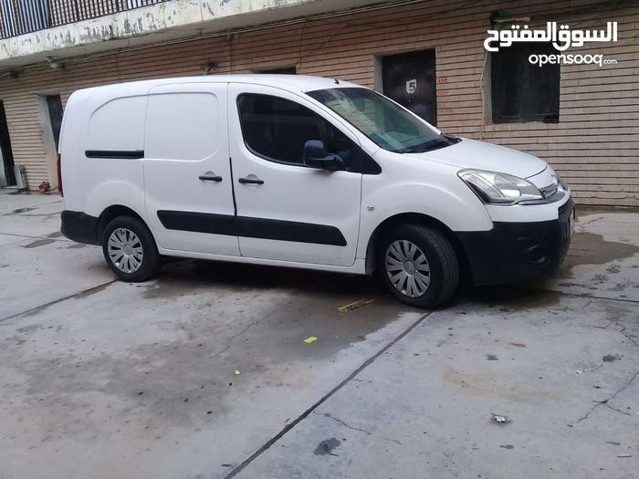 Manual Citroen 2013 for sale - Used - Farwaniya city